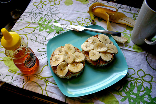 bananas on bread